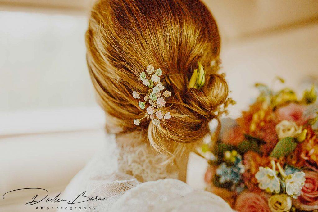Hochzeit_in_Putzbrunn_Braut_Shooting_Detail_Frisur